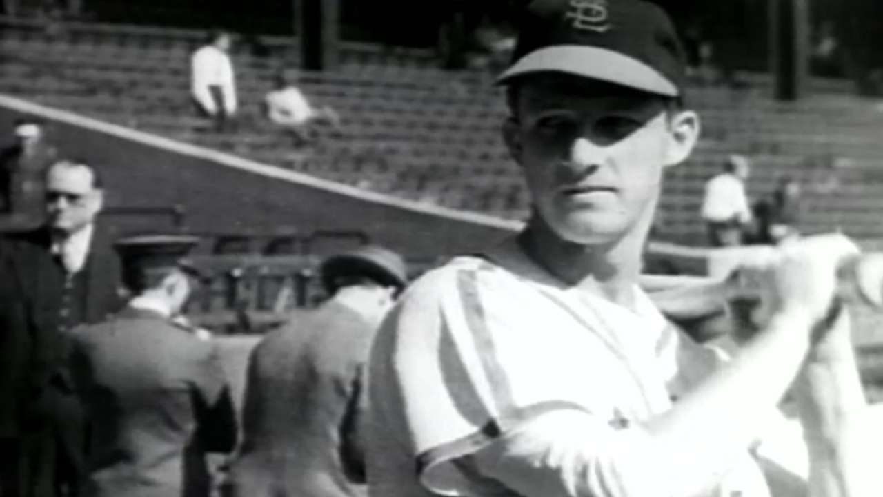 #TBT: Musial takes a pay cut