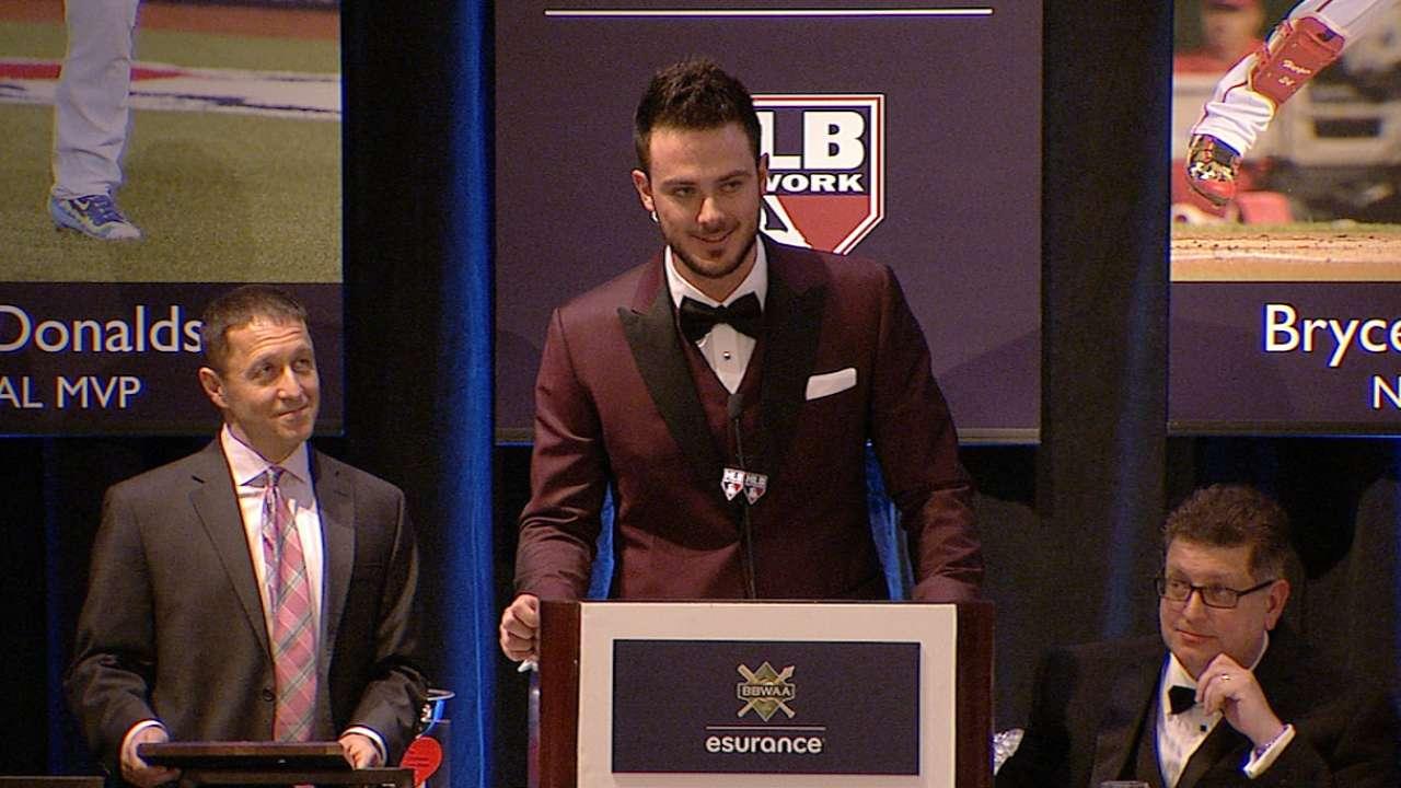 Bryant accepts BBWAA ROY Award