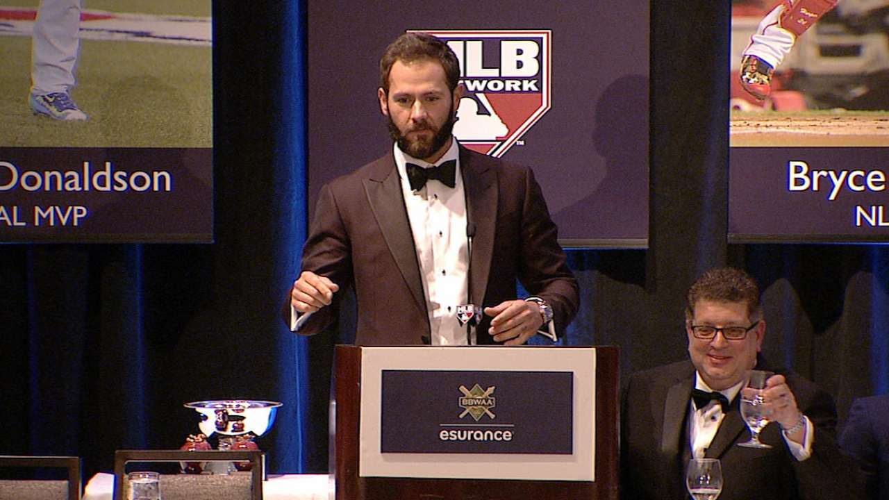 Arrieta accepts Cy Young Award