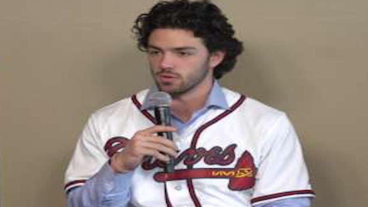 Swanson speaks at Braves FanFest