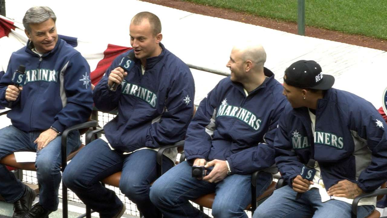 Mariners enjoy Day 2 of FanFest