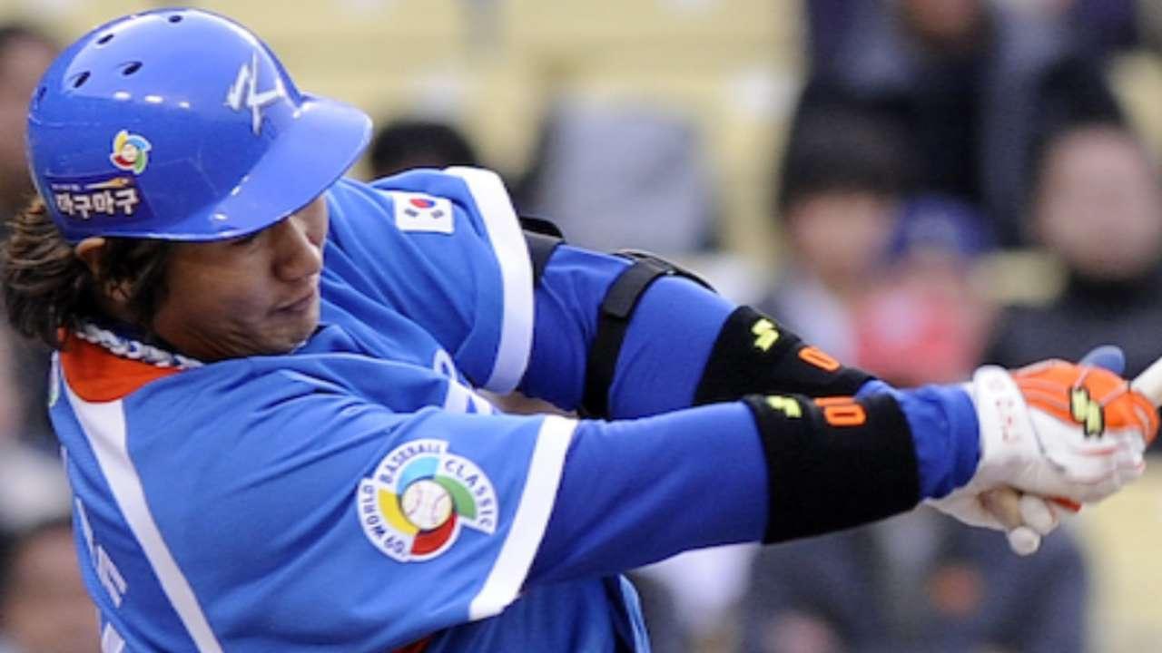 Mariners sign Dae-Ho Lee