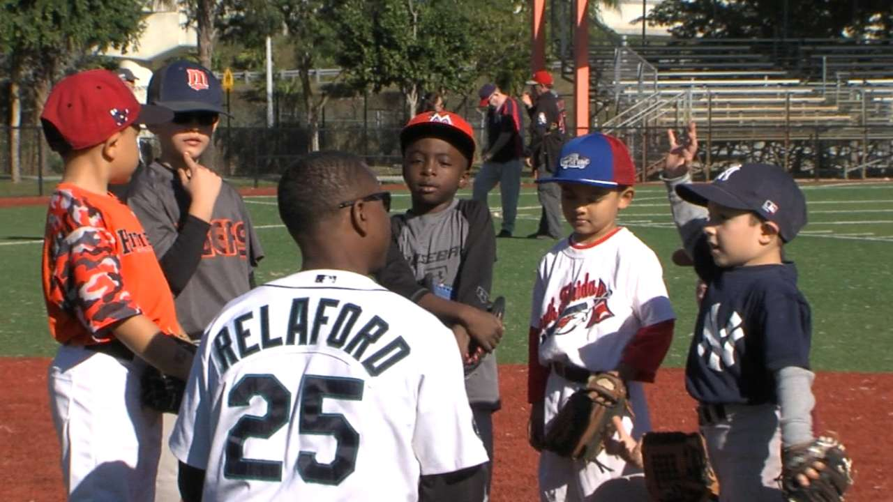 MLBPAA offers tips on life, baseball at youth clinic
