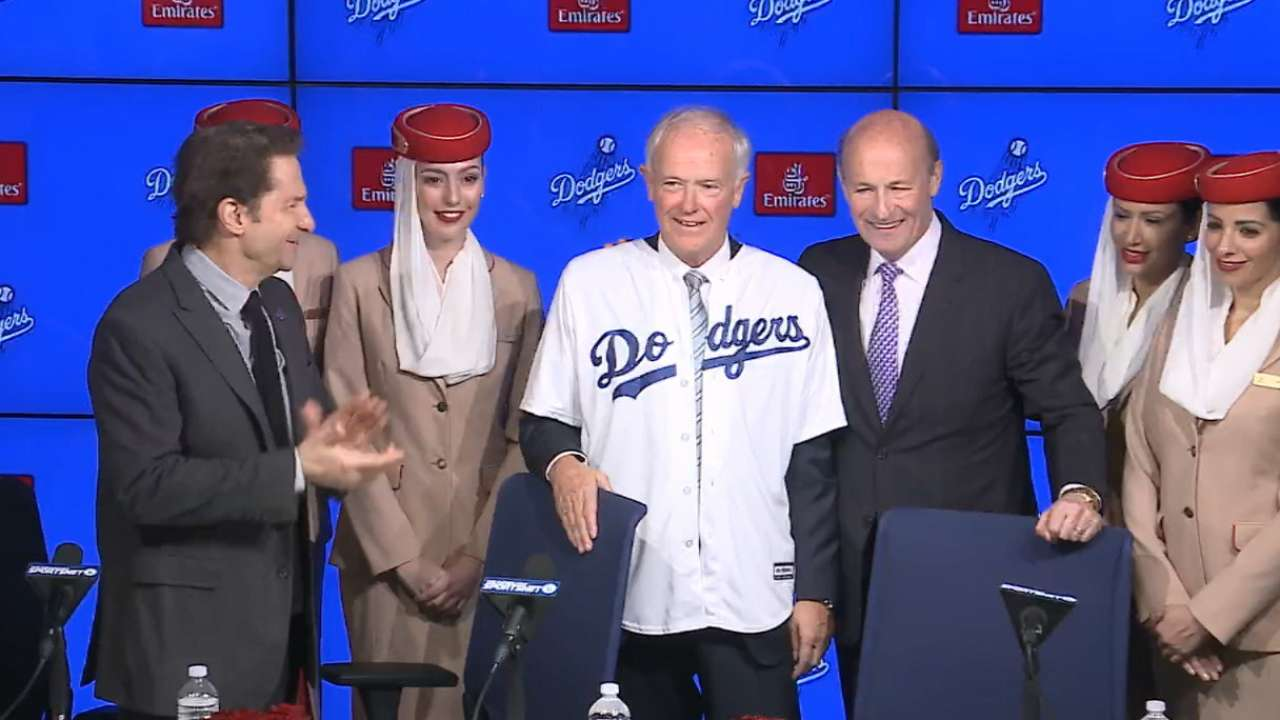 Dodgers announce partnership with Emirates