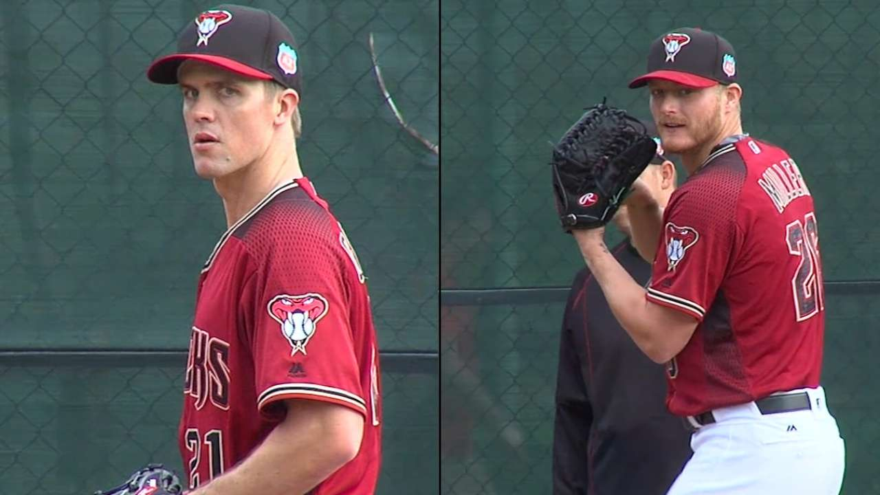 Greinke draws crowd at first bullpen session