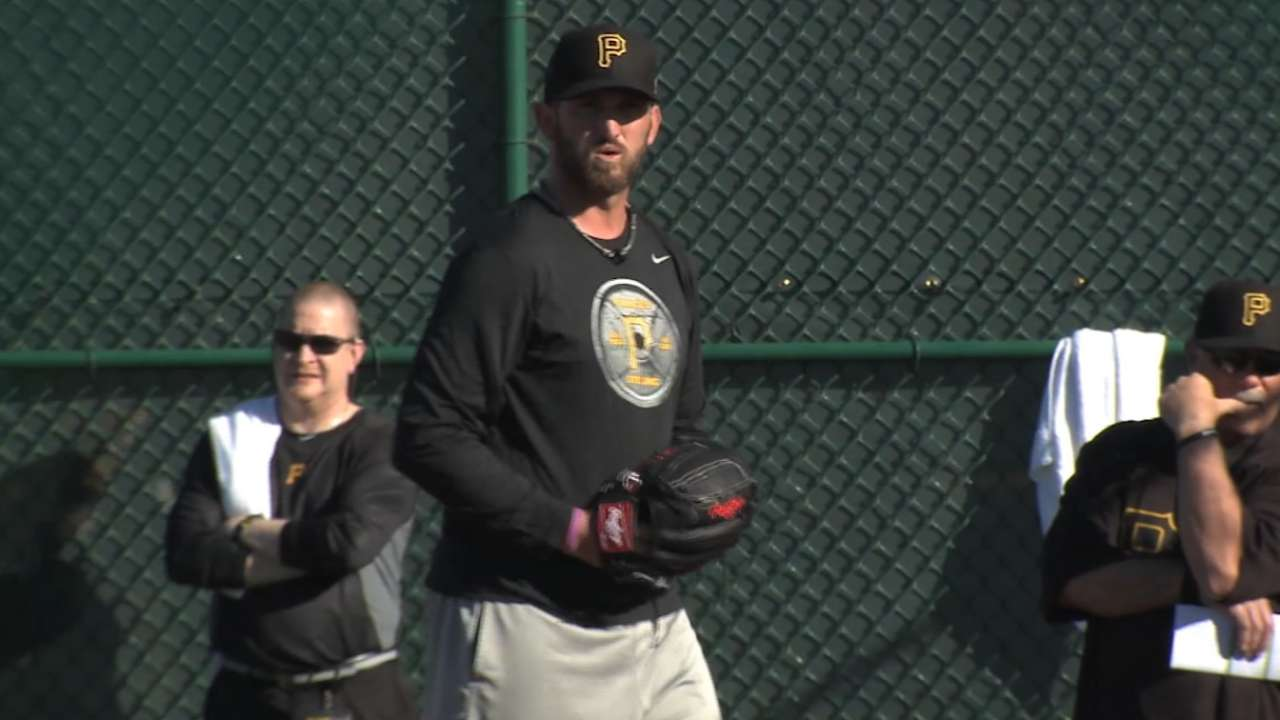Hurdle on new pitchers, Cervelli