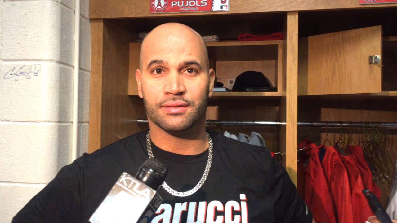 Pujols on his foot, Opening Day