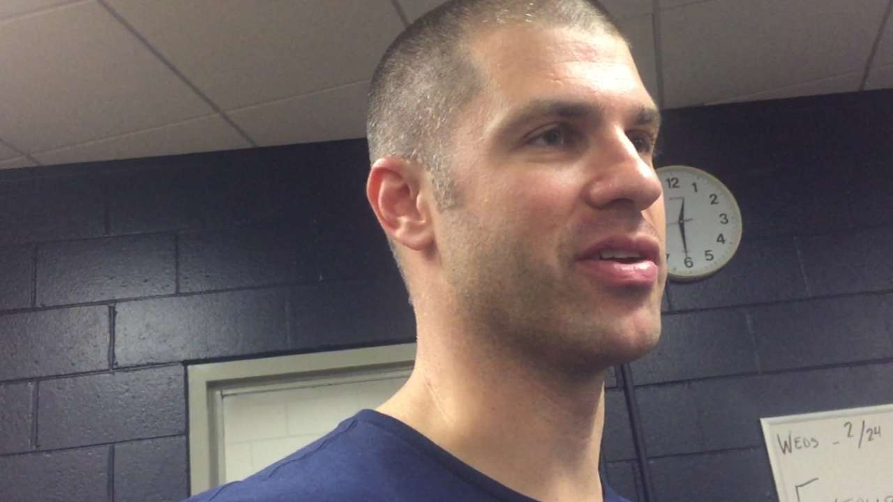 Mauer continues experiment with sunglasses