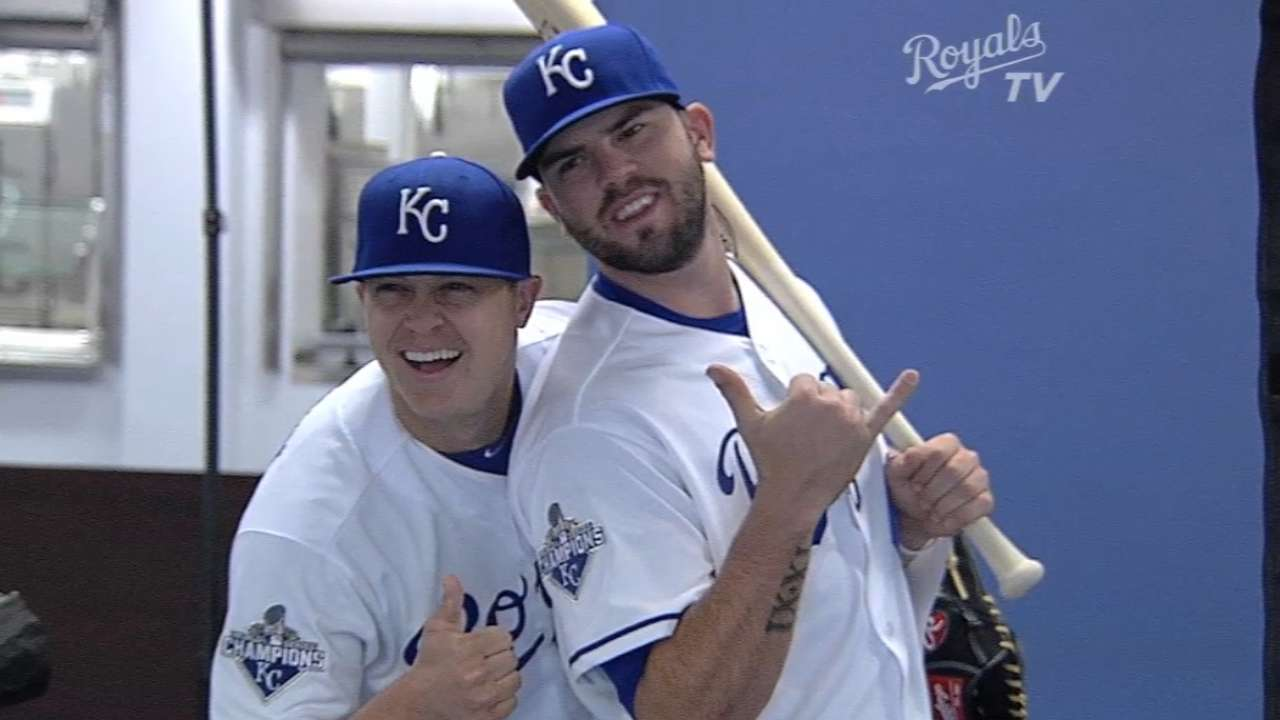 Royals all smiles at photo day