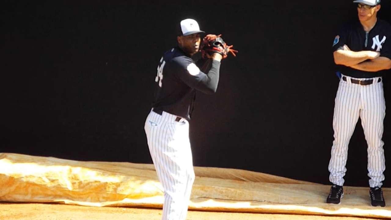 MLB suspends Chapman 30 games