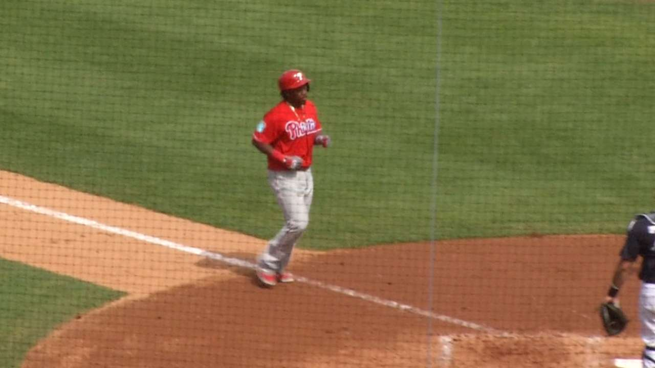 Ruf notches 3 RBIs as Phils rout Yanks