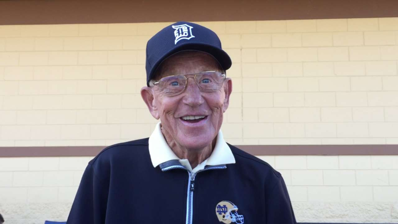 Holtz visits Tigers, imparts words of wisdom