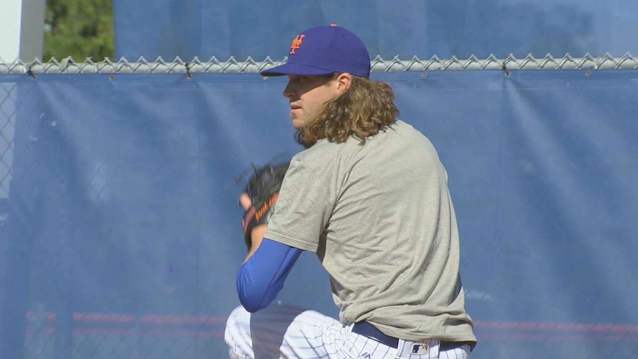 At impasse, deGrom's contract renewed