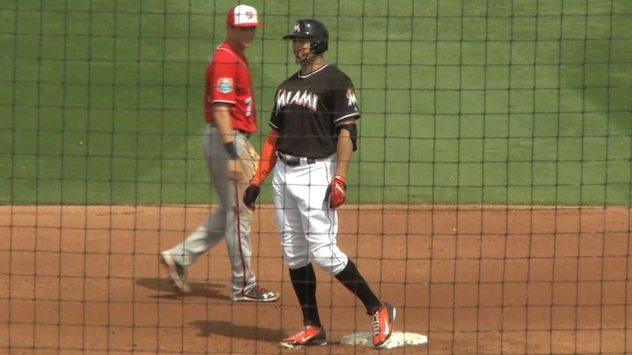Maxwell turns outcome in Marlins' favor with 3-run homer