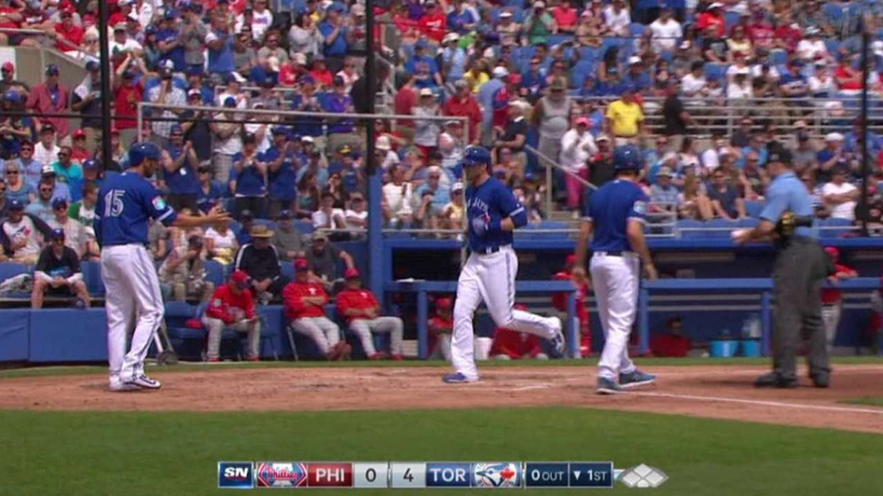 Saunders, Tulo power Blue Jays past Phillies