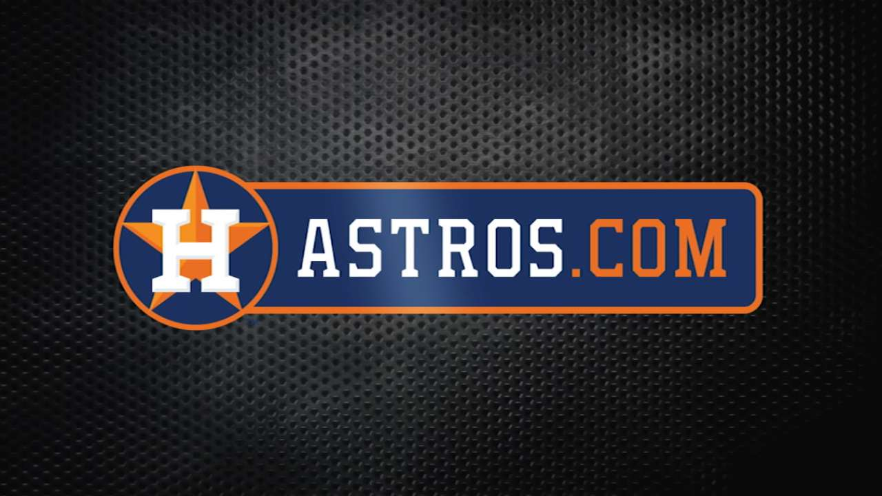Bagwell stops by Astros' camp