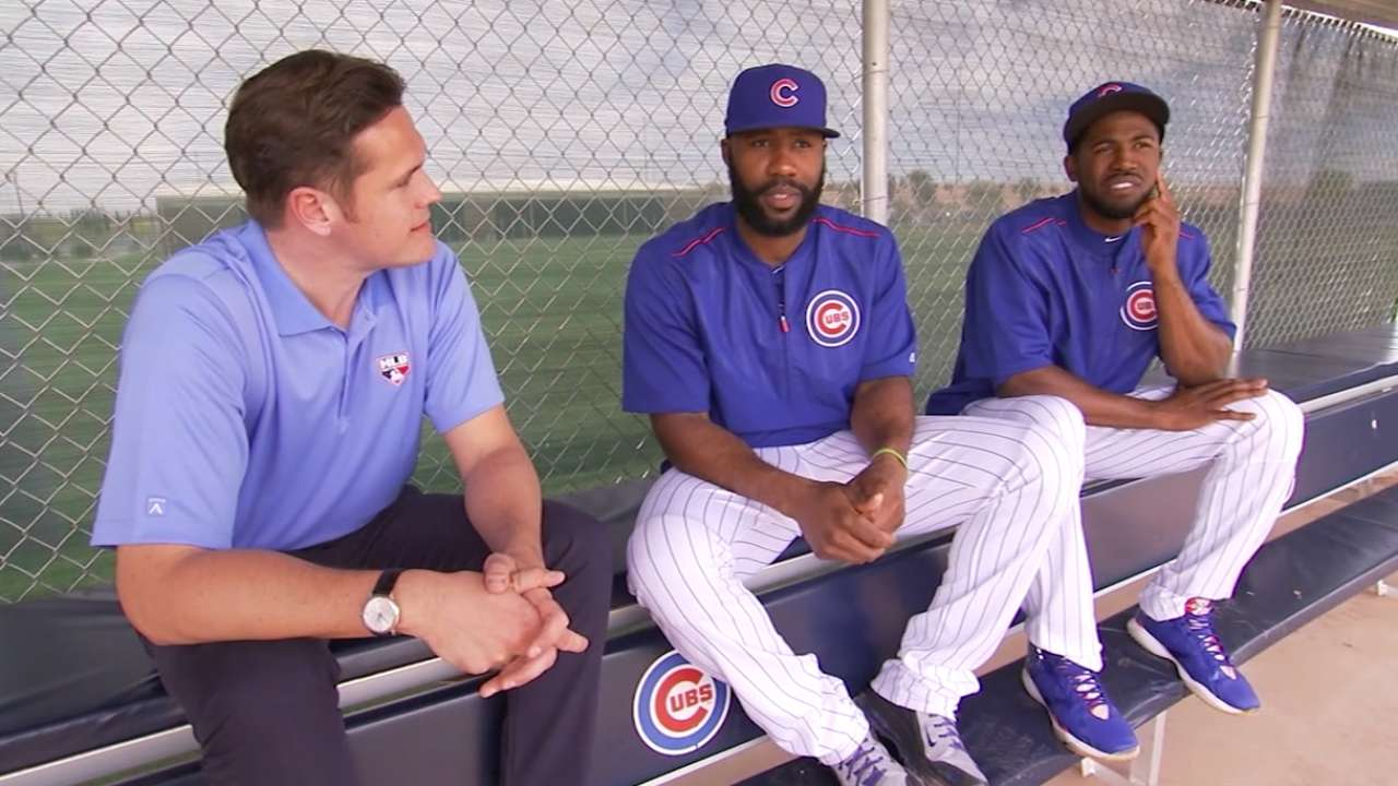 Heyward hits first HR with Cubs