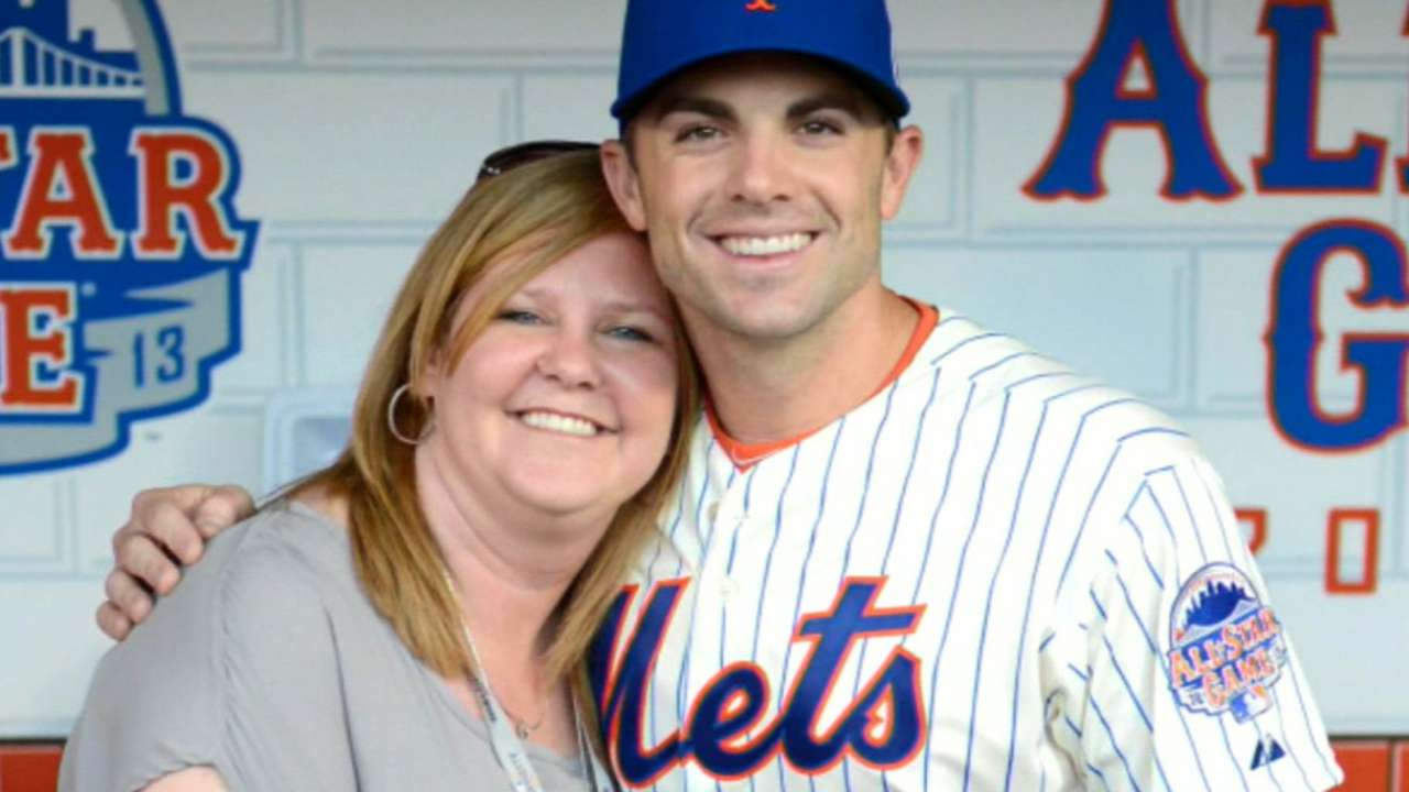 Mets hold moment of silence for Shannon Forde