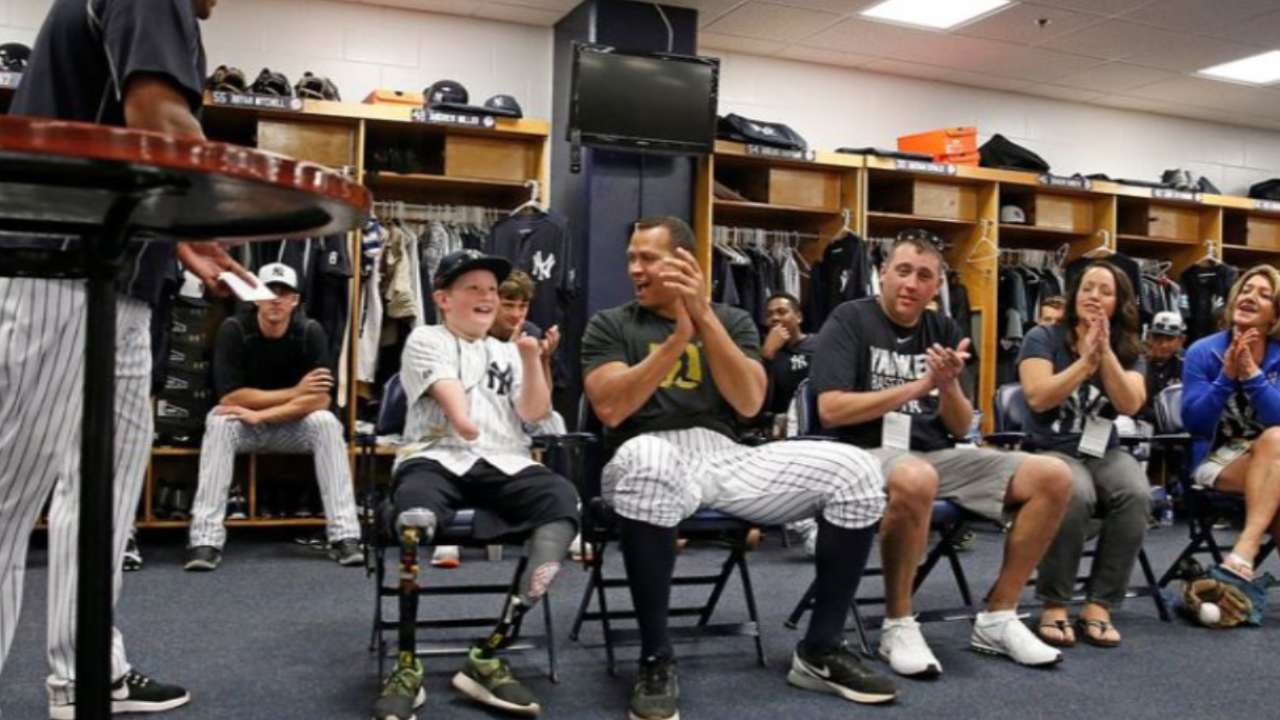 Yankees sign 10-year-old, cherish his day