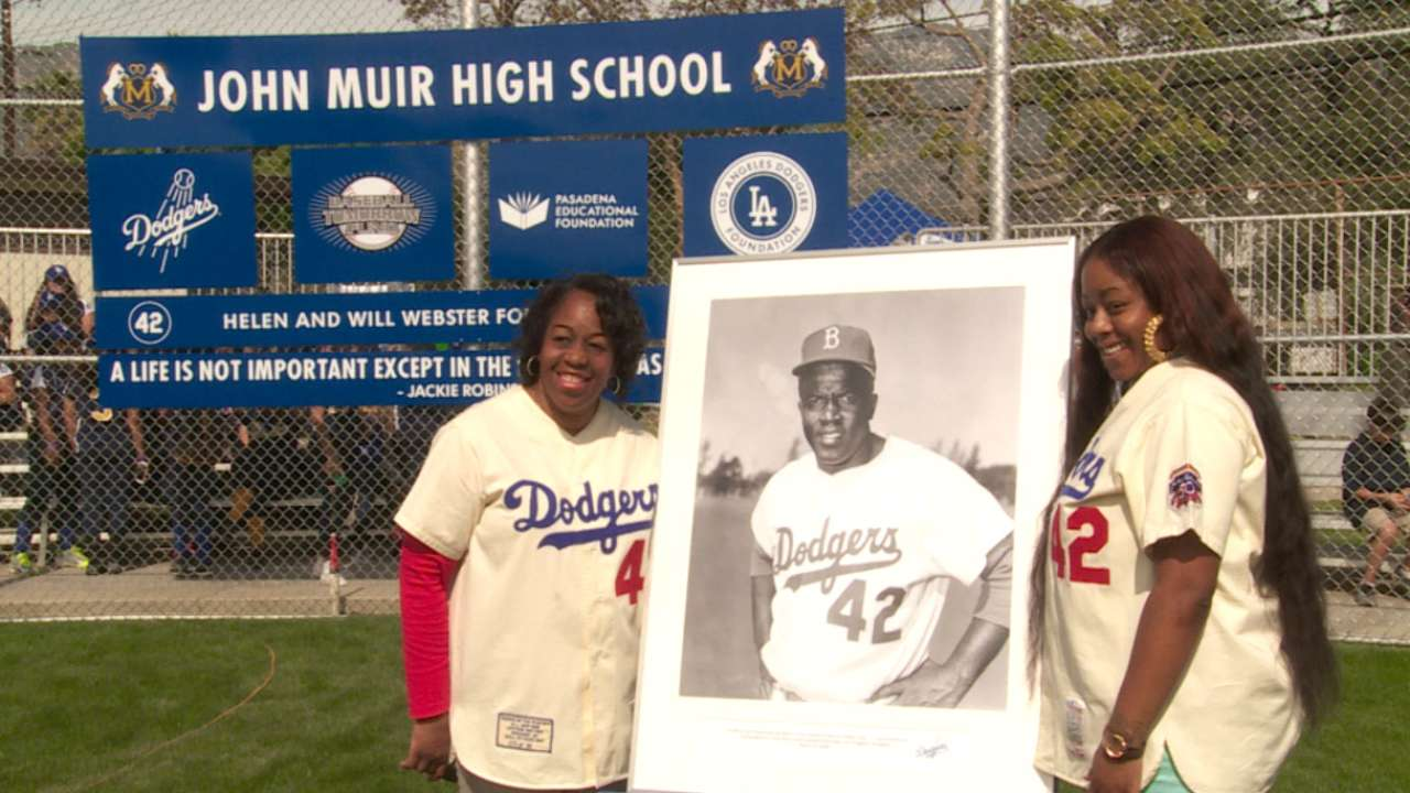 Dodgers honor Jackie with high school field