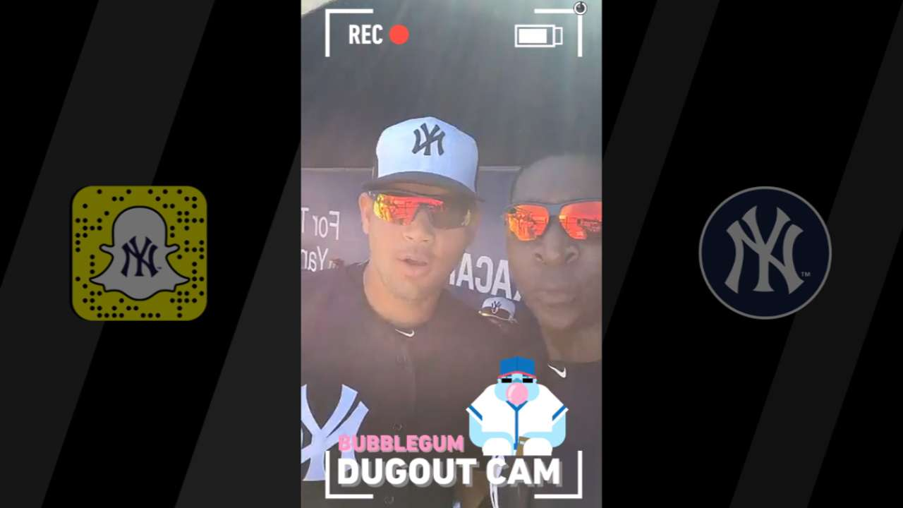 Yankees capture dugout views on Snapchat Day