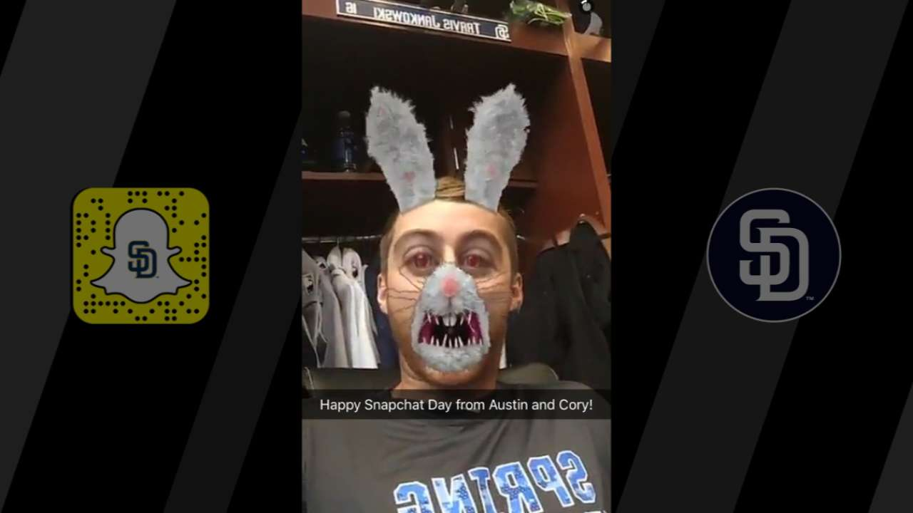 #SnapchatDay rolls on at Padres camp