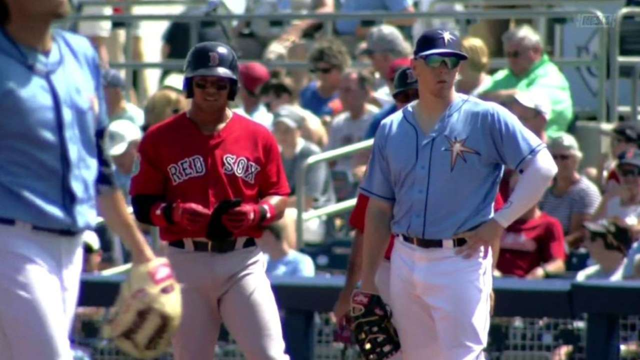 Craig, Moncada chip in on tough day for Porcello