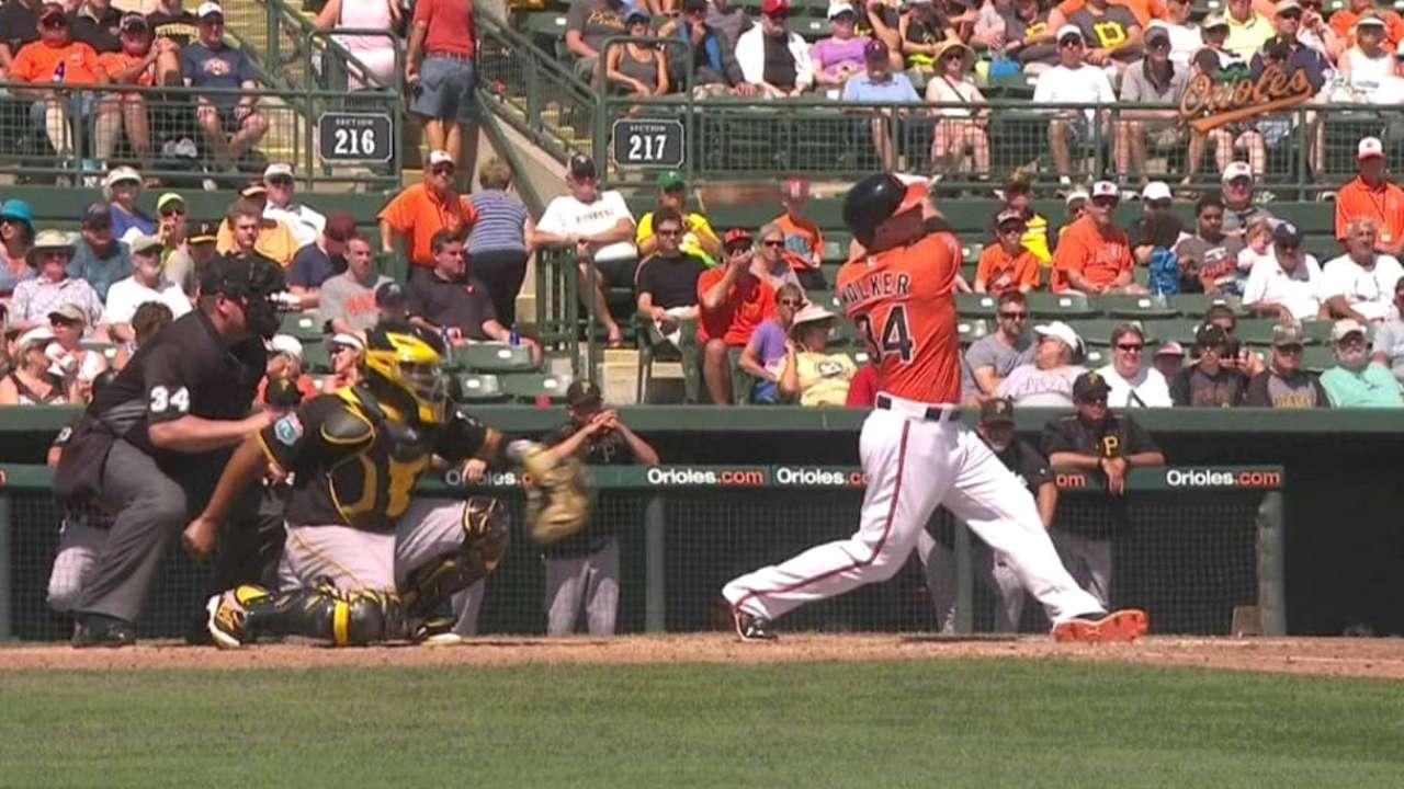 Walker's three-run homer