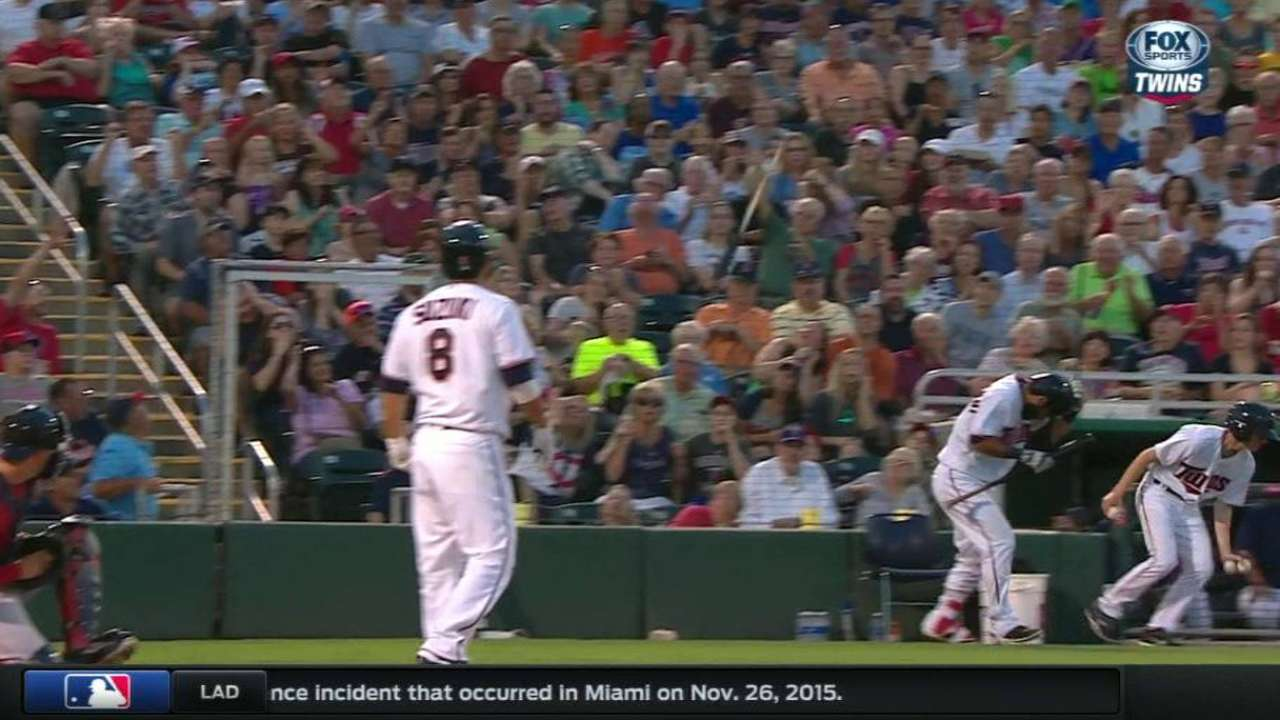 Suzuki loses bat
