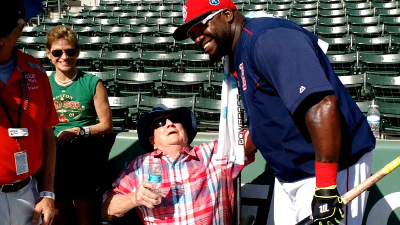 WWII veteran has a ball meeting Big Papi