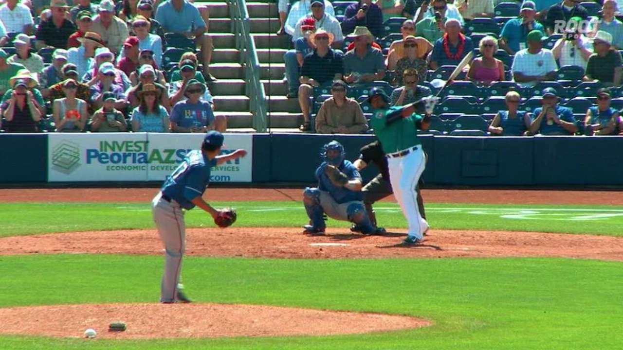 Cruz knocks first spring HR in Mariners' win