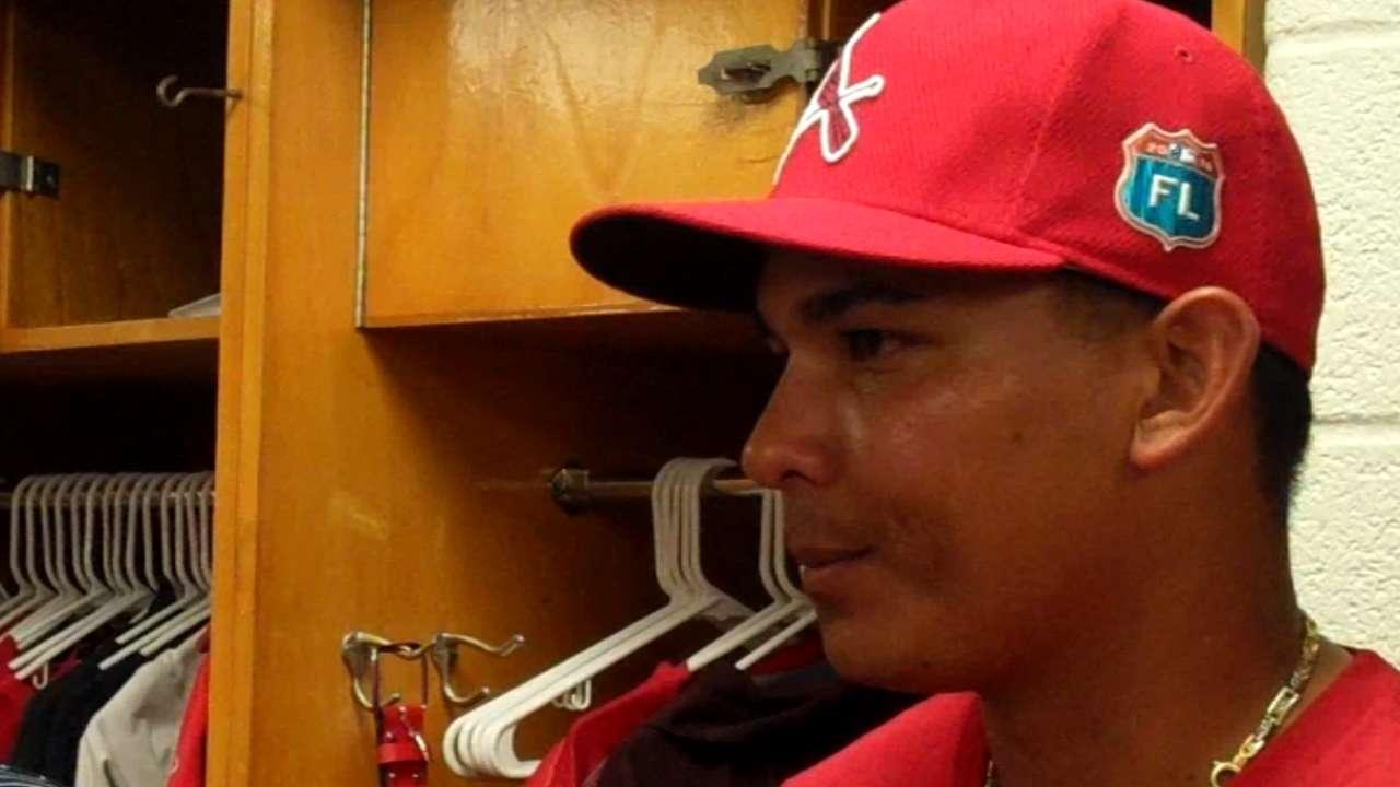 Cardinals sign free-agent shortstop Tejada