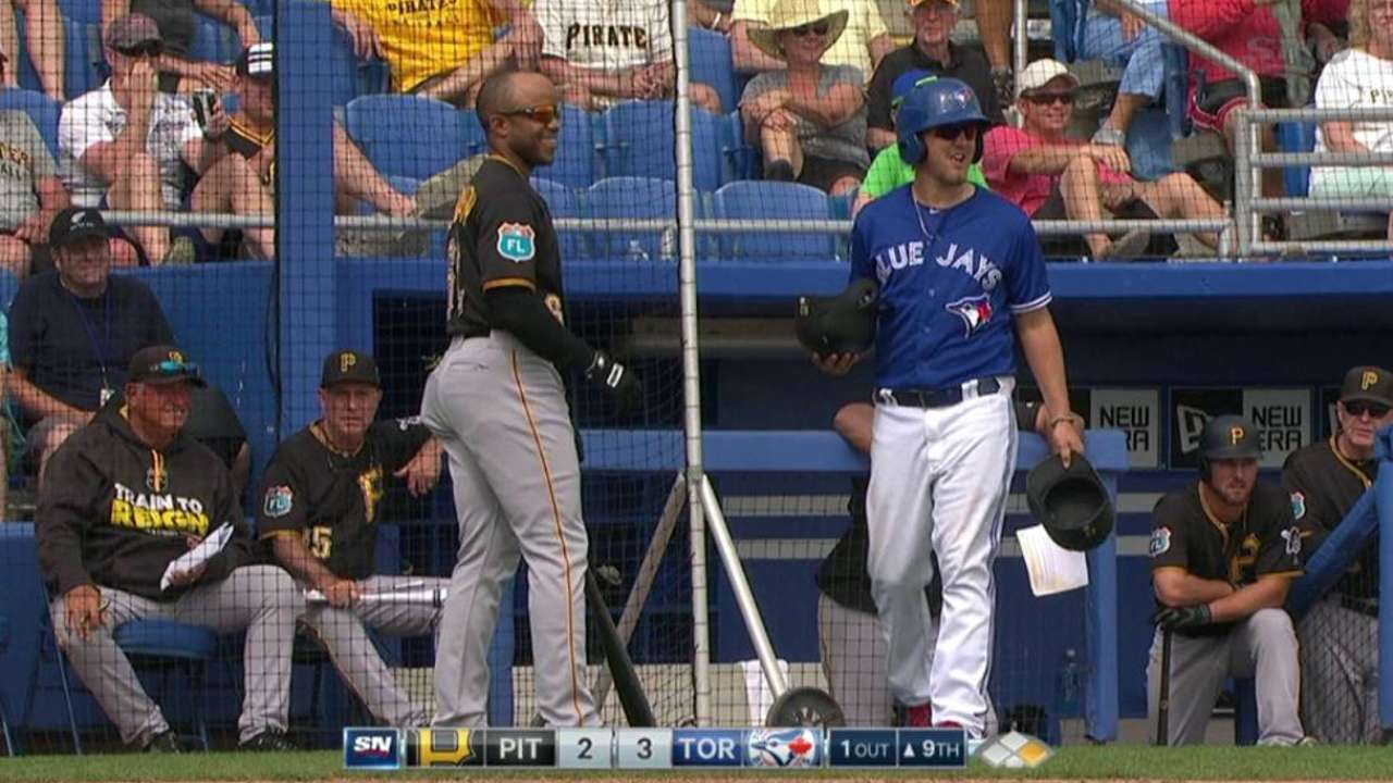 Switch-pitcher Venditte recalled by Blue Jays