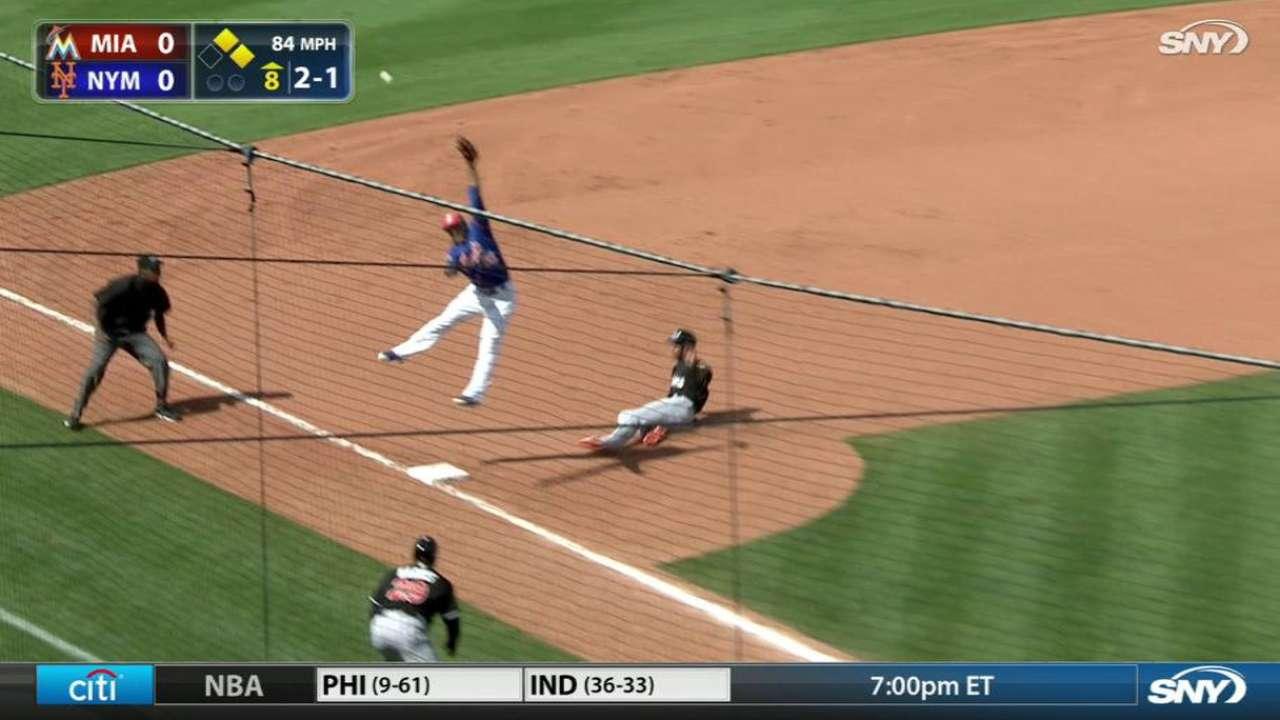 Cosart solid in start as Marlins top Mets