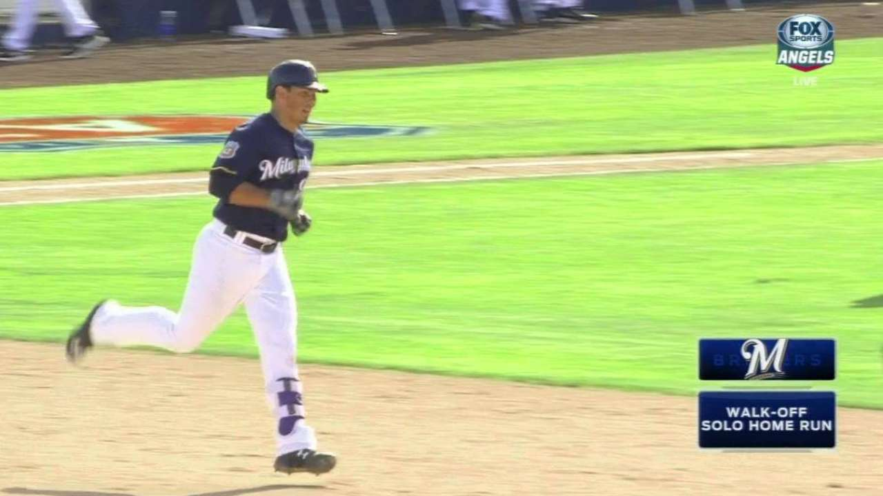 Brewers' late HRs steal win from Angels