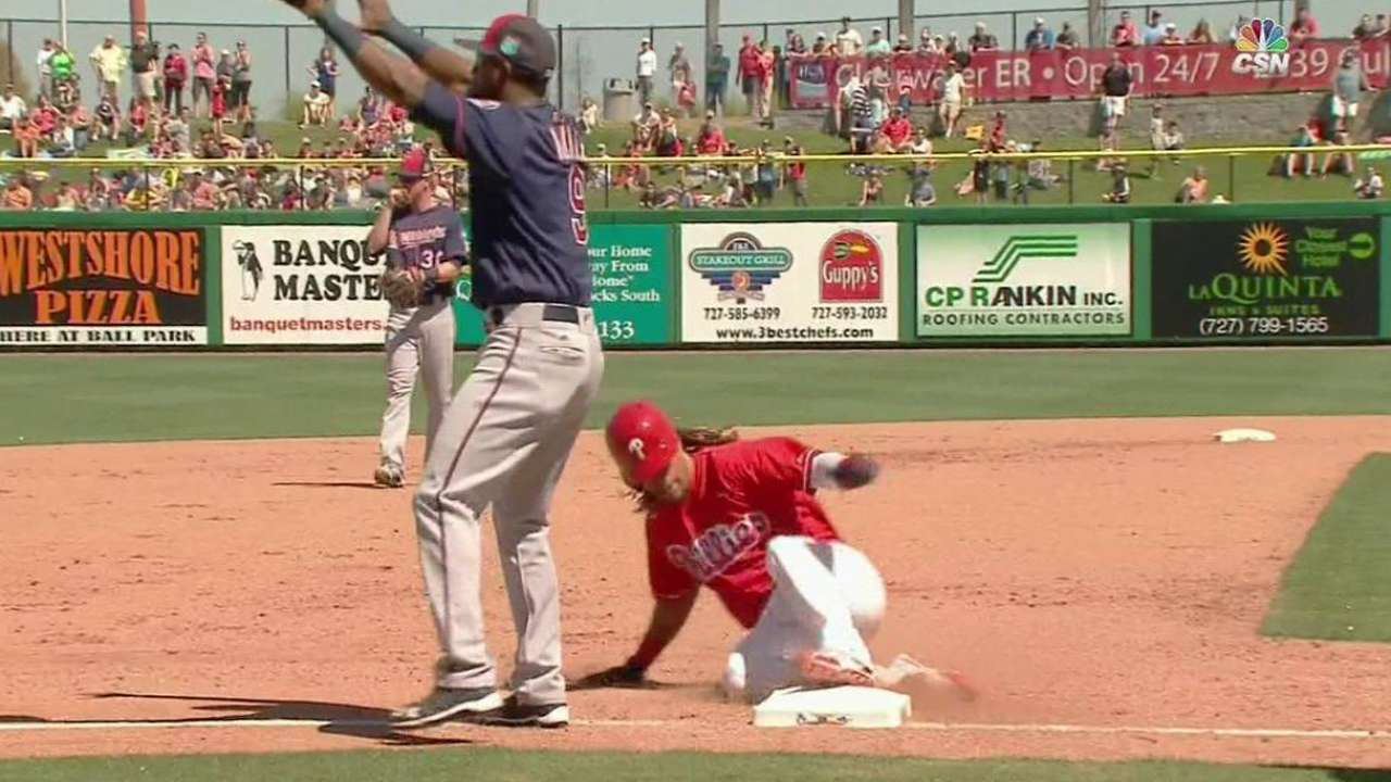 Burriss' versatility may equal spot with Phils