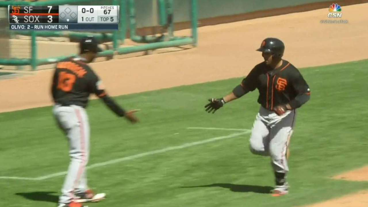 Olivo's 5th-inning moonshot