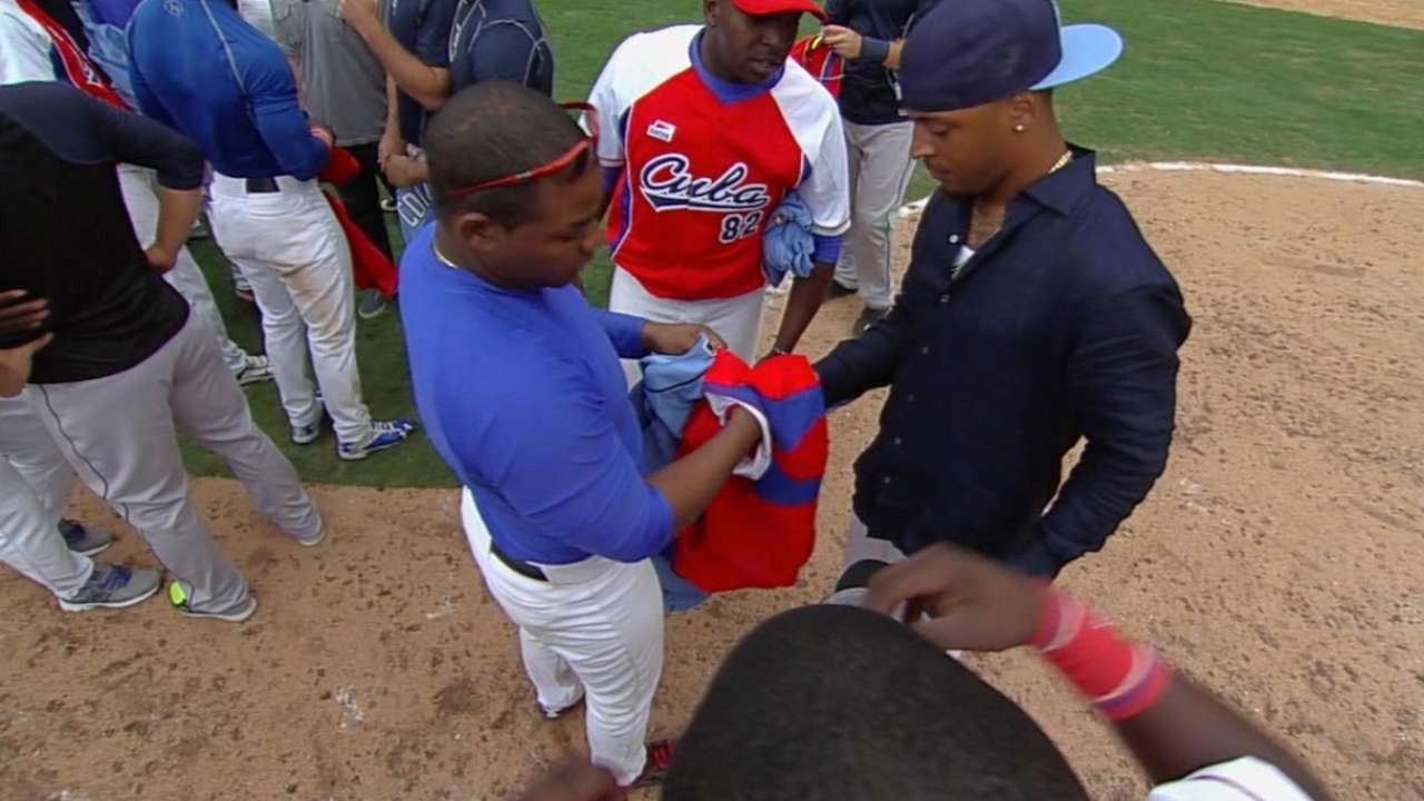 Rays have day they'll 'never forget' in Cuba