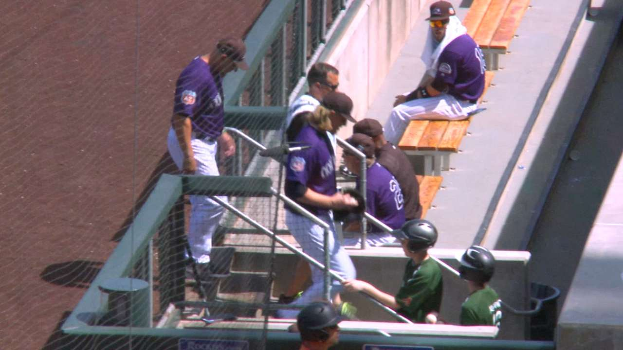 Gray exits in first inning with abdominal strain
