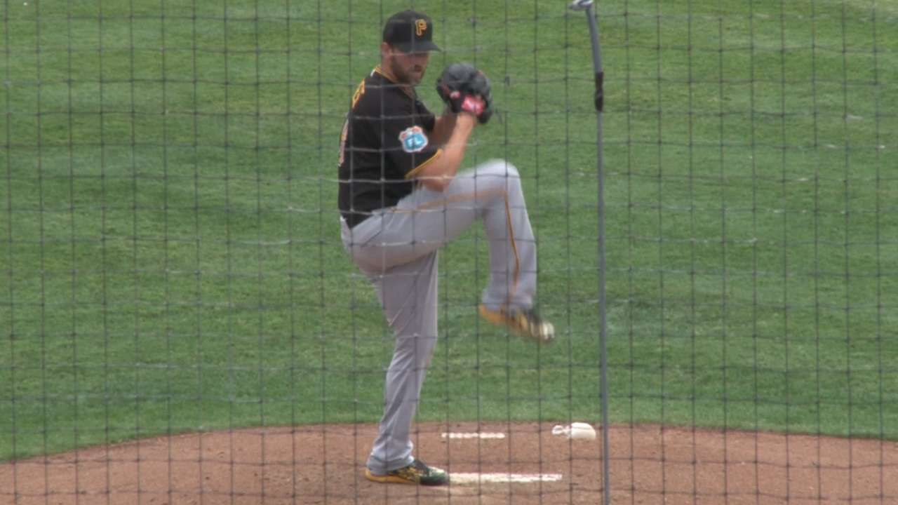 Niese efficient in longest spring start for Pirates
