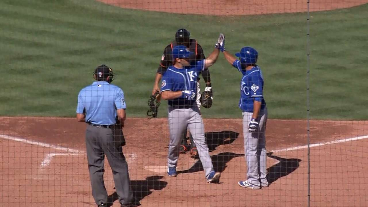 Decker gaining Royals' attention this spring