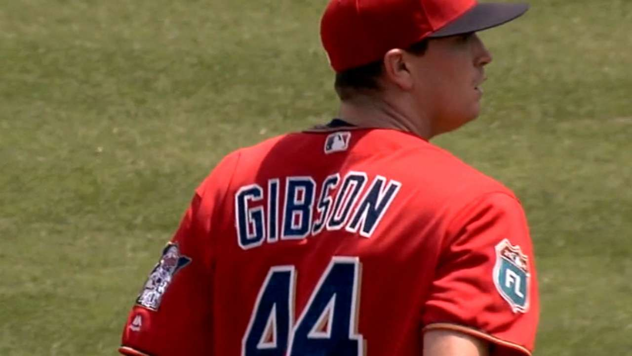 Gibson replicates Santana's stellar game line
