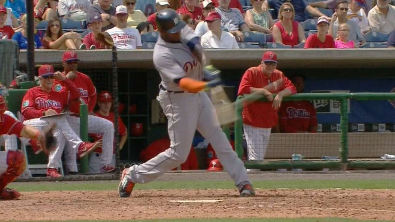 Upton hits first 2 homers in Tigers uniform