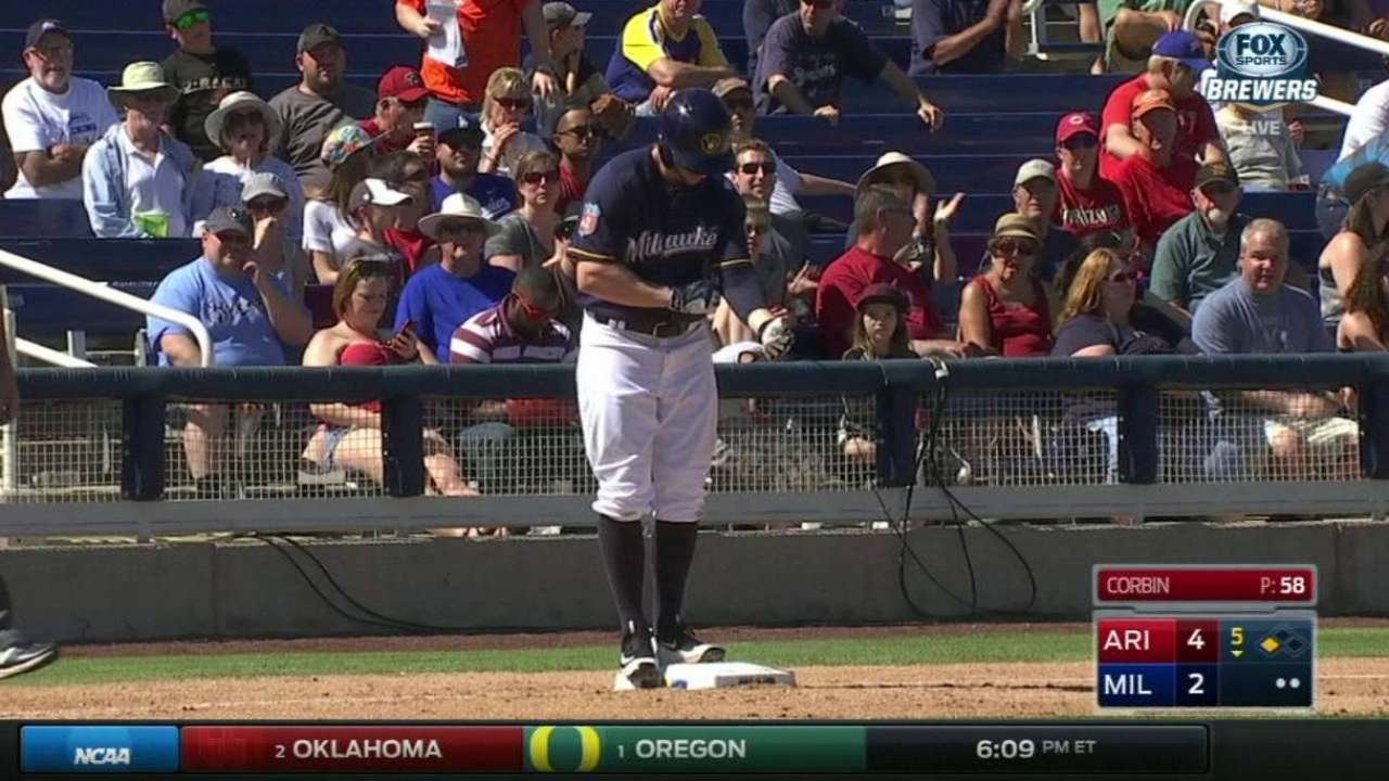Brewers call up CF Presley from Triple-A
