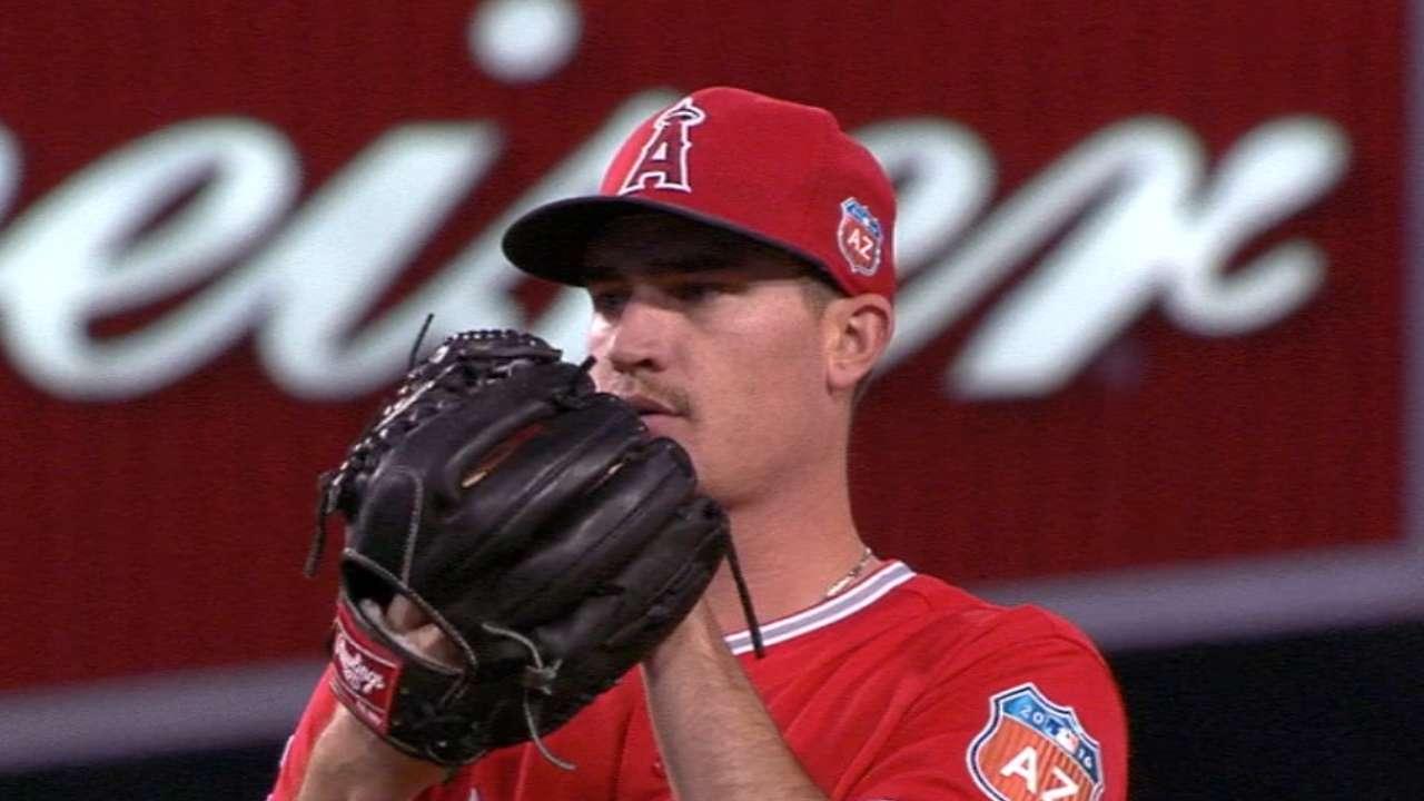 Perez backs Heaney's solid start vs. Dodgers