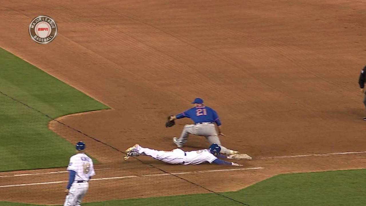 Wright's back tested quickly by KC in opener