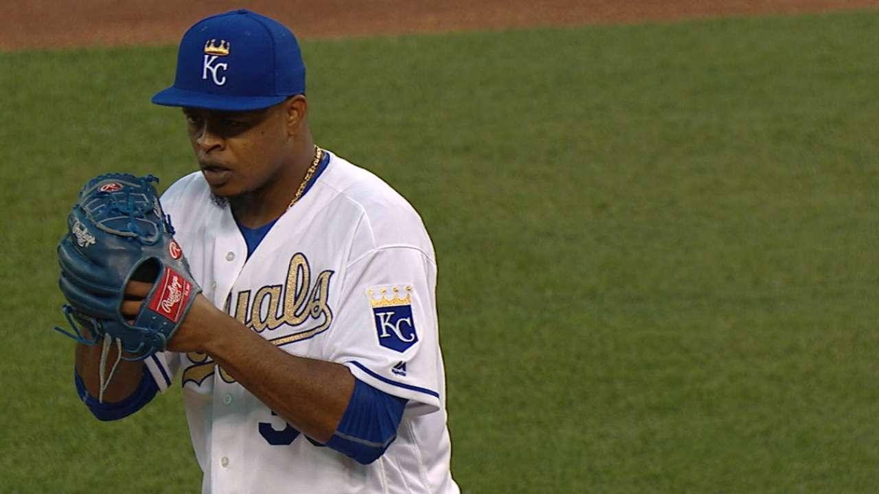 Royals extend reign with opener win vs. Mets