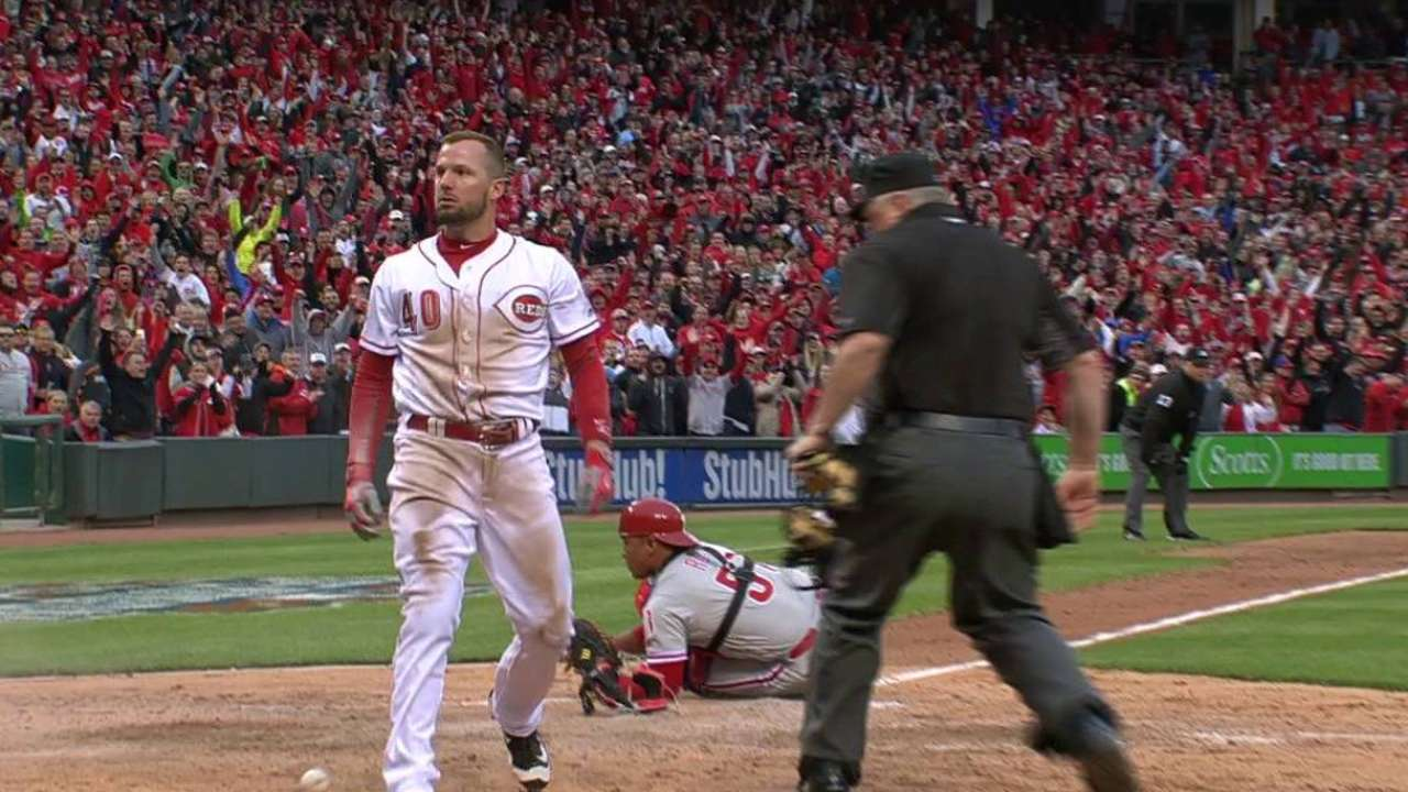 Cozart's game-tying sac fly
