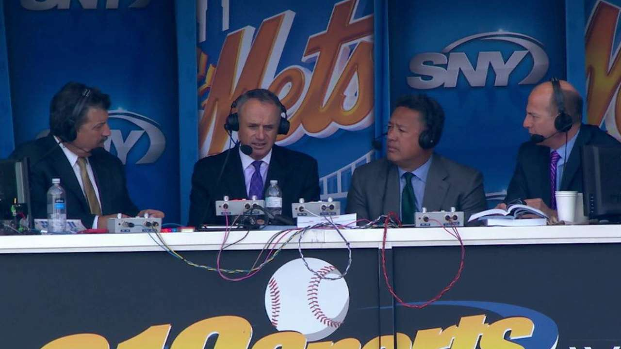 Manfred joins the Mets booth