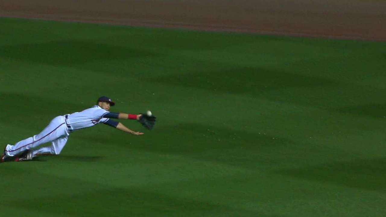 Inciarte makes dazzling catch to start double play